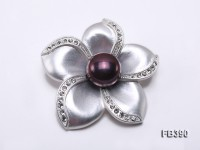 Flower-shaped 12.5mm Black Freshwater Pearl Brooch