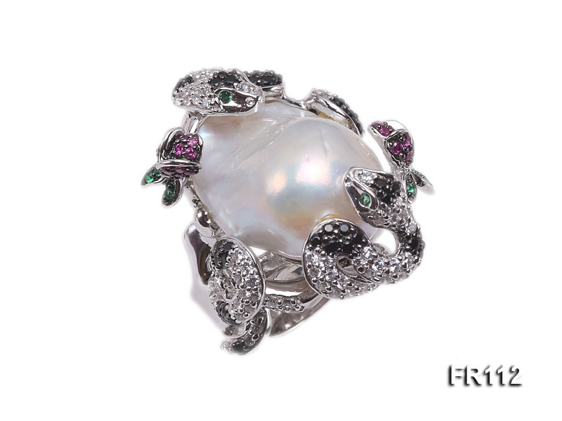 Fine Snake-style White Baroque Pearl Ring