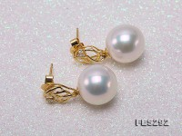 Top-grade 13mm White Edison Round Edison Pearl Earrings in 18k Gold