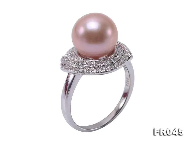 Elegant 10.5mm Lavender Round Freshwater Pearl Ring in Sterling Silver