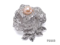 Elegant Rose-shaped 9.5mm Pink Pearl Brooch