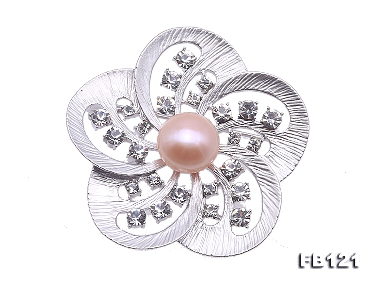 Elegant Flower-shape 11.5mm Freshwater Pearl Brooch
