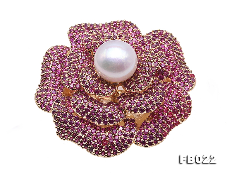 High Quality 11.5mm White Pearl Flower Brooch