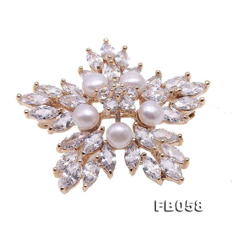 Delicate Zircon-inlaid  Freshwater Pearl Brooch