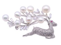 Delicate Deer-shape White Freshwater Pearl Brooch with Zircons