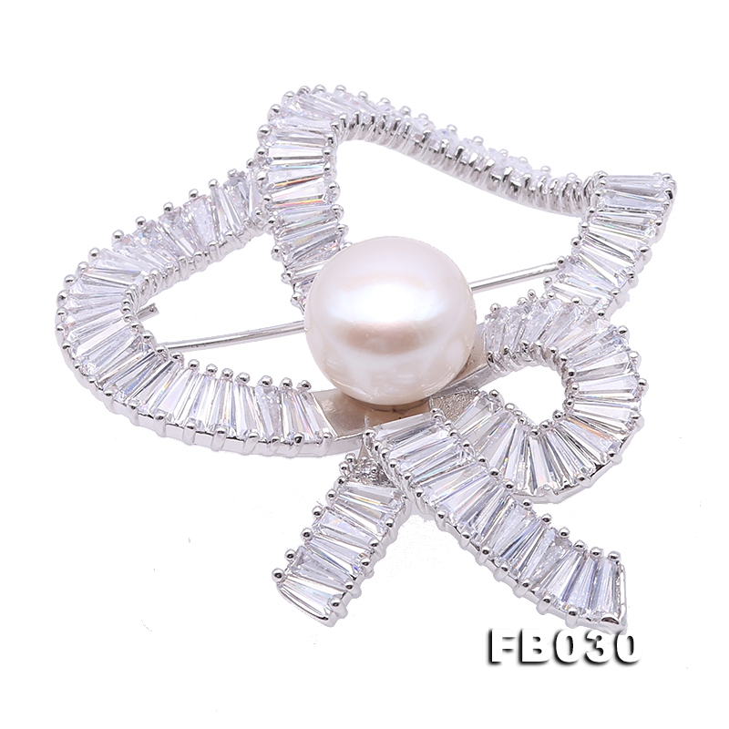 Beautiful Bowknot-shape 12,5mm White Pearl Brooch