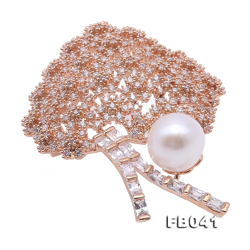 Shiny 10mm White Freshwater Pearl Brooch