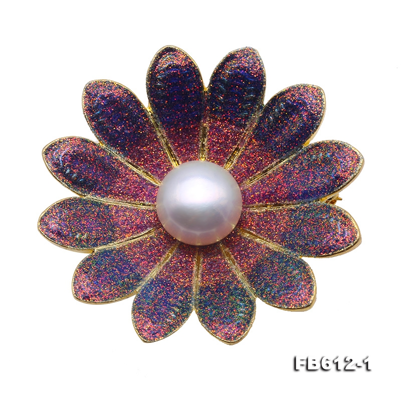 Exquisite Flower-shape 11mm Freshwater Pearl Brooch