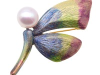 Gorgeous 12mm White Pearl Butterfly Brooch