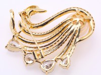 Exquisite Swan-shape 13mm Freshwater Pearl Brooch