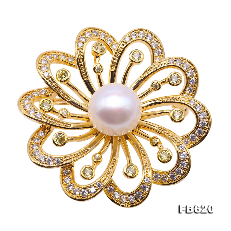 Beautiful Flower-shape 12.5mm White Pearl Brooch