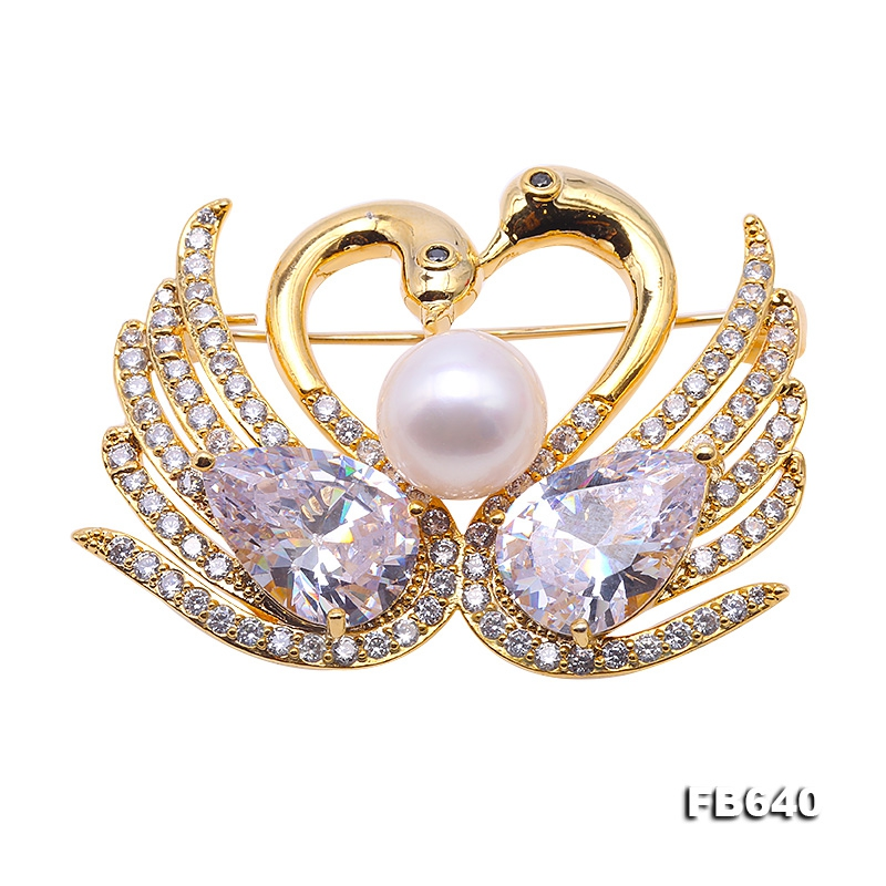 Exquisite Swan-shape 10mm Freshwater Pearl Brooch