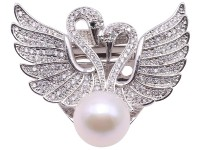 Exquisite Swan-shape 12mm Freshwater Pearl Brooch