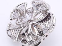 High Quality 13mm White Pearl Flower Brooch