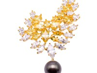 Luxurious 11mm Tahitian Pearl Brooch/Pendant