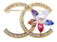 Exquisite Zircon-inlaid 10mm Freshwater Pearl Brooch