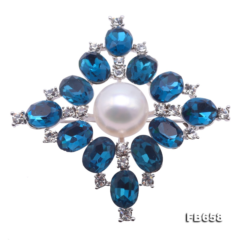 Delicate Zircon-inlaid 11.5mm Freshwater Pearl Brooch/Pendant