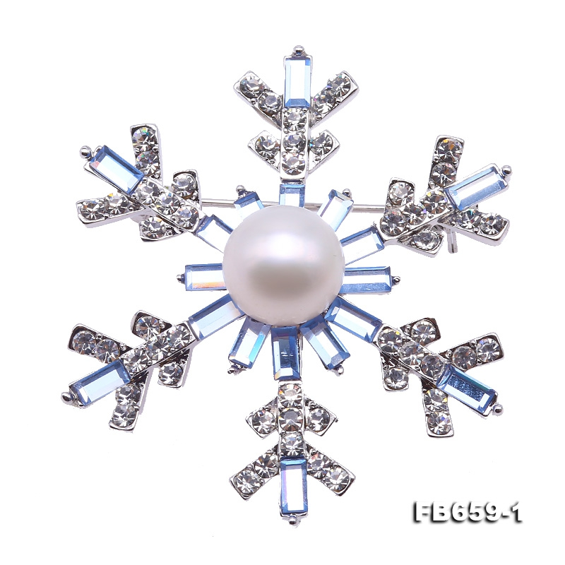 Beautiful 12mm White Pearl Snowflake Brooch