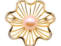 Delicate Zircon-inlaid 11mm Freshwater Pearl Brooch