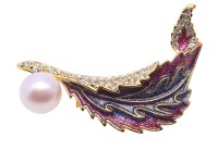 Elegant Feather-shape Zircon-inlaid Whtie Freshwater Pearl Brooch