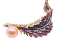 Elegant Feather-shape Zircon-inlaid Pink Freshwater Pearl Brooch