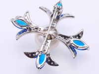 Delicate Zircon-inlaid 13.5mm Freshwater Pearl Brooch