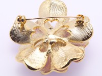 Elegant Flower-shape 10mm Freshwater Pearl Brooch