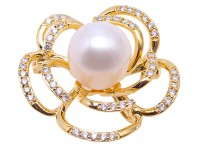 High Quality 12mm White Pearl Flower Brooch