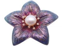 Elegant Flower-shape 10mm Freshwater Pearl Brooch