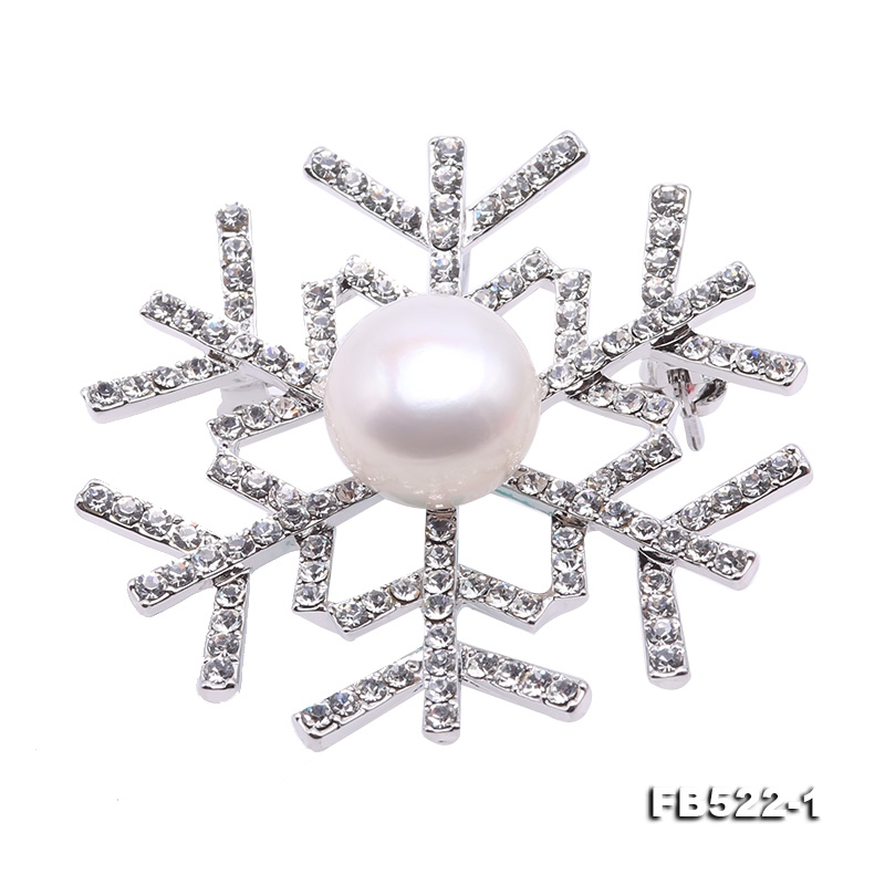 Beautiful 13mm White Pearl Snowflake Brooch