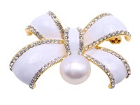 Beautiful 13.5mm White Pearl Bowknot Brooch