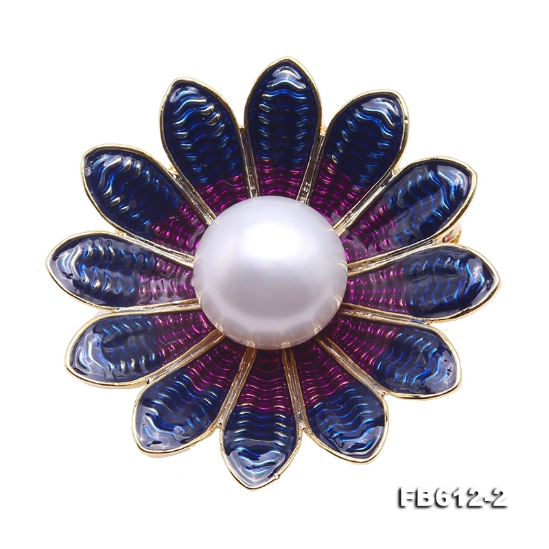 Exquisite Flower-shape 13mm Freshwater Pearl Brooch