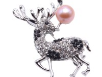 Exquisite Sika Deer-shape 10mm Freshwater Pearl Brooch