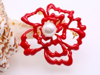 Beautiful 10.5mm White Pearl Flower Brooch