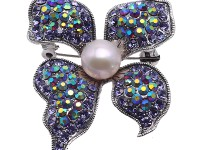Dreamy 10.5mm White Pearl Butterfly Brooch
