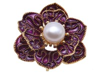 Beautiful 10.5mm White Pearl Flower Brooch