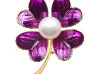 Beautiful 10.5mm White Pearl Clover Design Brooch
