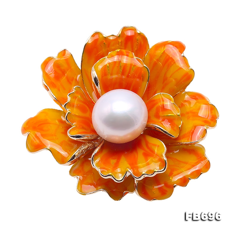 Beautiful 13mm White Pearl Peony Brooch