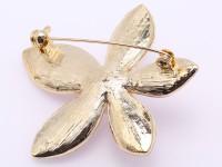 Beautiful 11mm White Pearl Flower Brooch