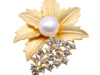 11.5mm Natural Freshwater Pearl Flower-shaped Brooch