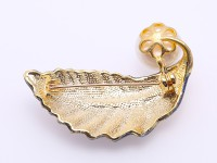 Exquisite Leaf-shape 13mm Freshwater Pearl Brooch