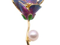 Lovely Rose-shaped 10mm Freshwater Pearl Brooch
