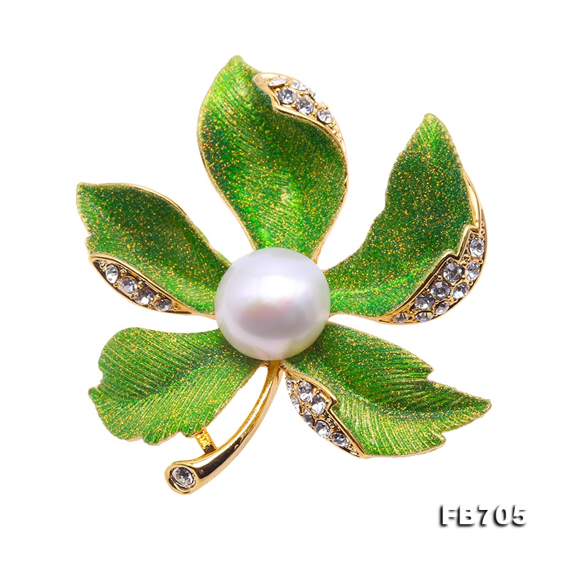 Beautiful 11.5mm Natural Freshwater Pearl Brooch