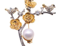 Exquisite 10mm Natural Freshwater Pearl Flower-shaped Brooch