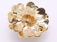 Exquisite 9.5mm Natural Freshwater Pearl Flower-shaped Brooch