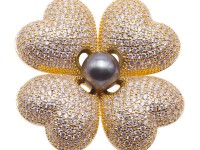 Luxurious Pearl Brooch Series—Clover Design 9mm Black Tahitian Pearl Pendant