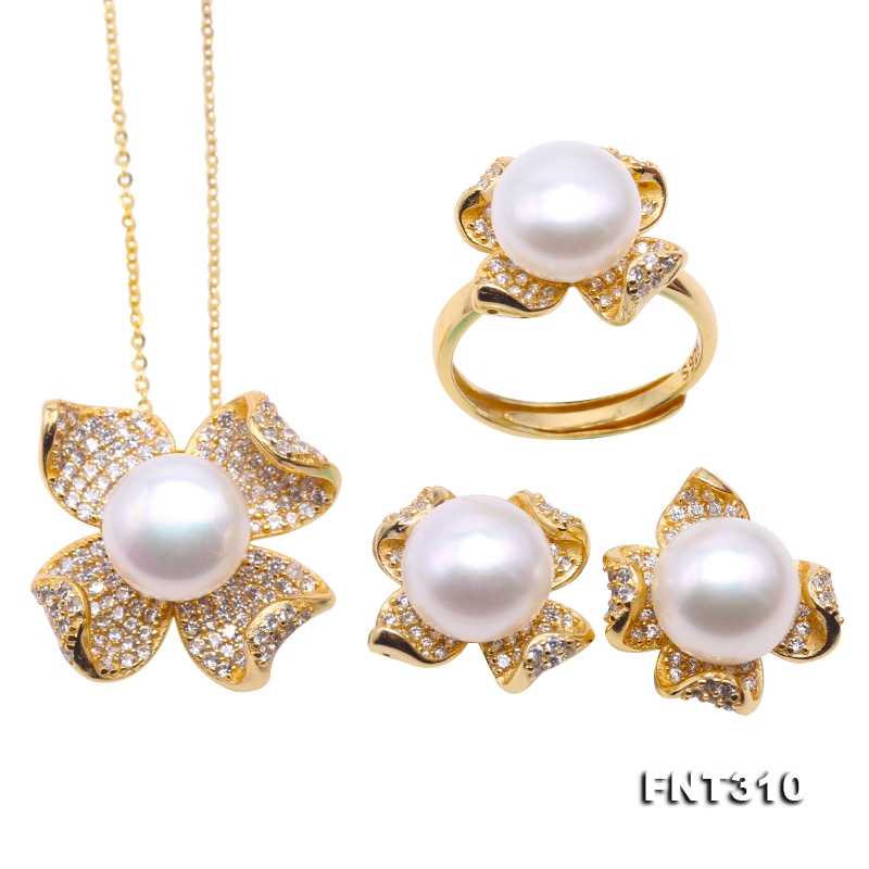 Exquisite 10mm White Pearl Pendant Earring & Ring Set in Sterling Silver