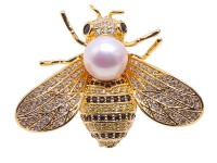 Exquisite Bee-shape 9mm Freshwater Pearl Brooch