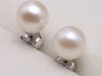 Sterling Silver 6-7mm Round White Akoya Cultured Pearl Earring Studs