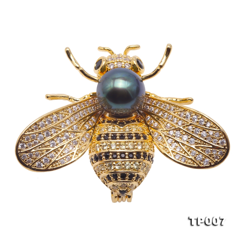 Luxurious Pearl Brooch Series—9mm Peacock Green Tahitian Pearl Bee Pendant